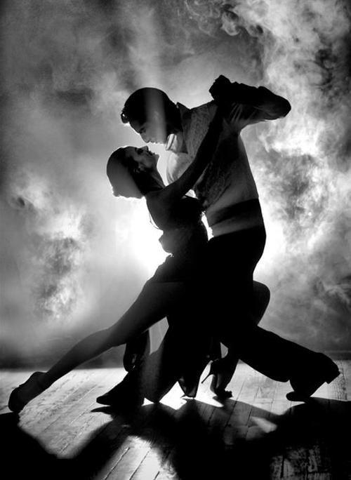 Un viaje al ritmo de los bailes más típicos