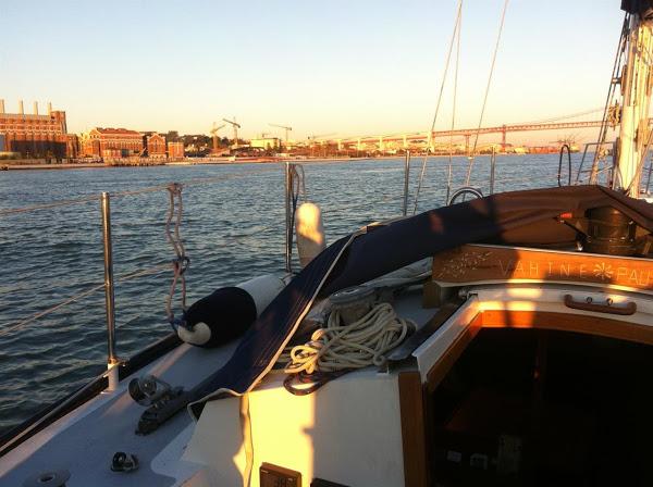 houseboat_lisbon
