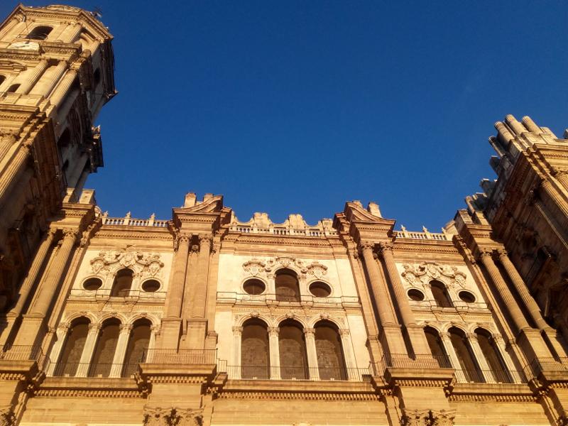kathedrale malaga abendsonne freibeuter reisen
